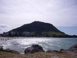 Mt_maunganui_and_beach